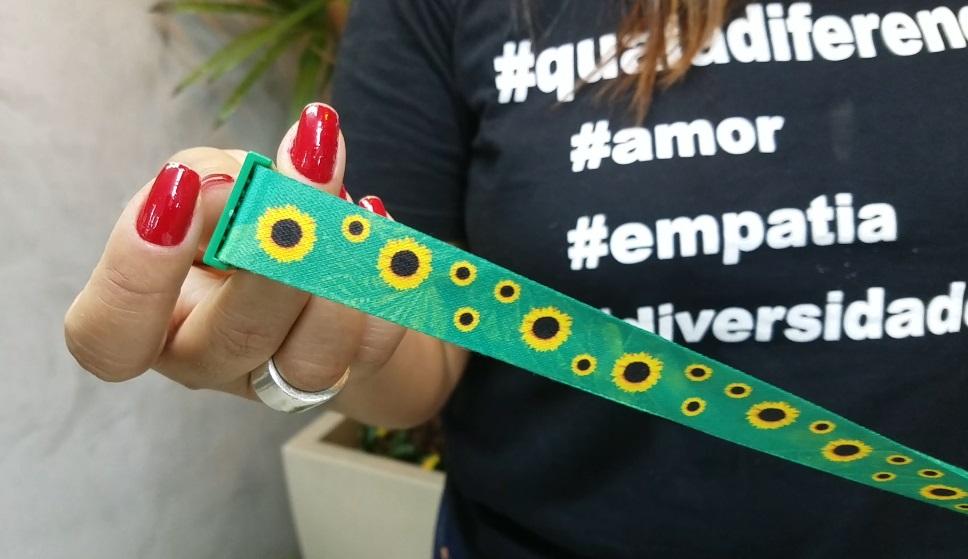 """Campanha busca difundir o uso do """"Cordão de Girassol"""" em Nova Friburgo - TV  ZOOM"""